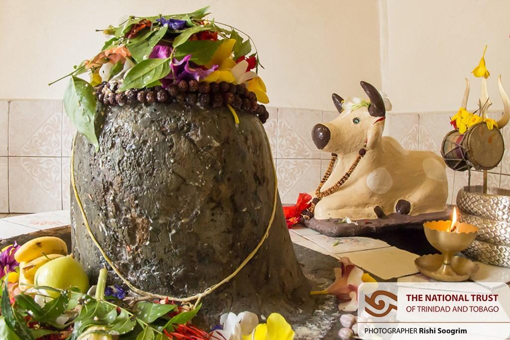 shiva lingam stone