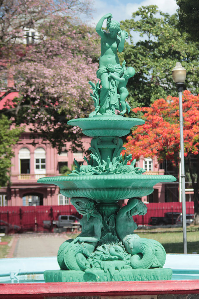 woodford square fountain