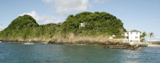 white-house-on-goat-island